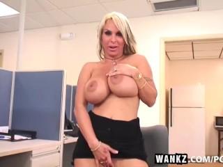 Wankz porn queen