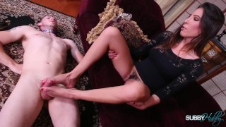 Dava Foxx Gives SubbyHubby A Footjob Mom couples