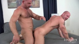 Muscle Hunks Samuel Colt and Mitch Vaughn