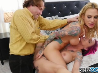 Virtual Reality Prono Spizoo - Eric Gets To Fuck Anna Bell And Sarah In A