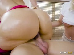 Brazzers - Client Needs More Than A Massage