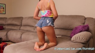 Teen Kimber Lee Masturbates While Playing with Feet! porno