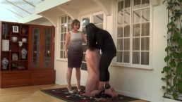 Mistress Evelyn and friend face slapping