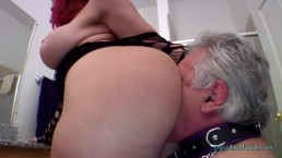 Kelly Divine Makes Her Slave Worship Her BIG ASS