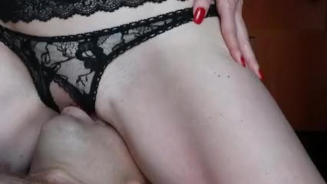 Eating my pussy / Comiendo mi chocho