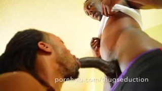 Gym Sex featuring Knight and Quake Ebony stroking