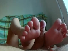 Greatest Homemade Footjob. She Licks My Feet & Gives A FOOTJOB. Pretty FEET
