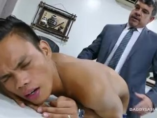 Daddy Bareback Fucks Asian Boy Jordan