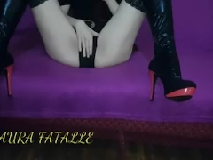 Horny Redhead Beauty Clothes On Pussy Masturbation and Orgasm-Laura Fatalle