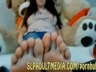 BIG BOOTY WHOOTY GIRLS FEET FETISH AND TOES SUCKING
