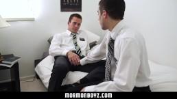 MormonBoyz-Mormon stud seduces his hung buddy