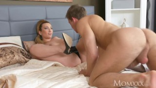 Her housewife tits big tits chubby cougar come mom on younger boy lets mom boobs