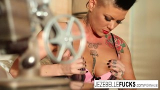 Hot Jezebelle works her pussy on the couch