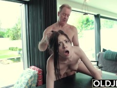 - Hardcore Fuck For Teen Sucking cock swallows and Getting Fucked By Old Man/><br/>                         <span class=