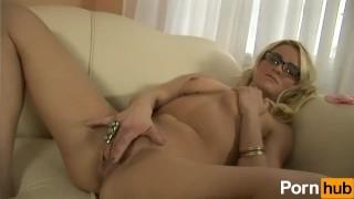 Amateur bang gang scene  blonde orgasm