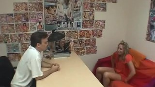 Interviews scene amateur  inside small