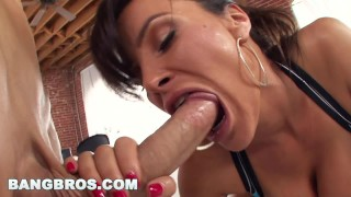 BANGBROS - Lisa Ann Takes It In The Ass! BAM! (pwg10175)