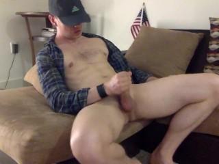 Guy jerks off fat dicknd cums
