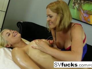 Deep tissue massaggio porno