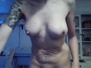 rutti in topless