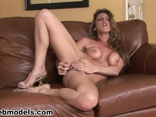 Sexy KAYLA PAIGE Fucks Herself for you! Nice Solo!