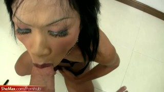 Stuffs mouth anal and with tiny cock toys shaft her ladyboy ladyboyplayer off