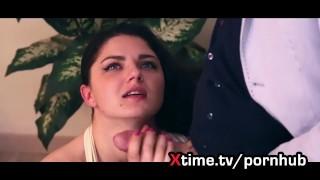 Una bella e giovane rumena esce fuori da un casting con il culo rotto