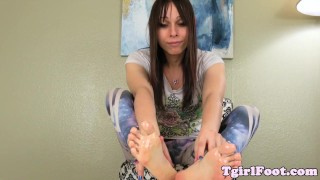 Foot fetish tgirl showing off toes and arches