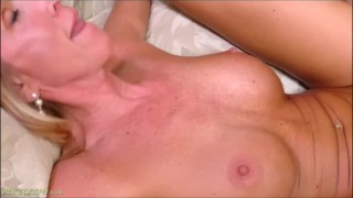 Dick style brynn hunter rides cowgirl milf mother