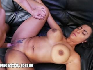 BANGBROS – NEW GIRL: Colombian Teen with Big Tits, Susana Santos (cff15714)
