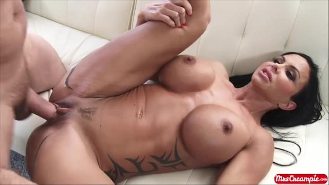 Free mrs jewel porn Big tits milf jewels jade sucks and fucks a big dick to get a real creampie