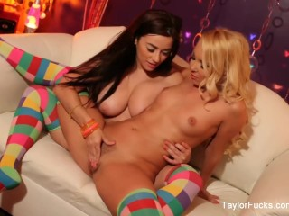 70s disco lesbians Taylor Vixen and Aaliyah Love get it on