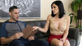 무료 포르노 영화 - Moms Teach Sex - Damon Dice 갇혀 이제 내 단계 엄마가 더 원해