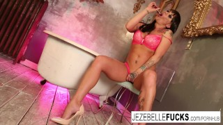 Session jezebelle bond bathtub with solo artsy solo masturbation