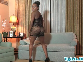 Black trans babe jerks n spreads round booty