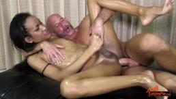LadyboyPlay - Ladyboy Iceland Oil massage