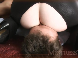 Is ashley greene dating jackson rathbone pussy galore smothers james bond butt kink femdom facesitting smotherin