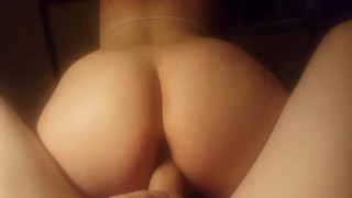 what a SEXY gorgeous ASS on this MILF