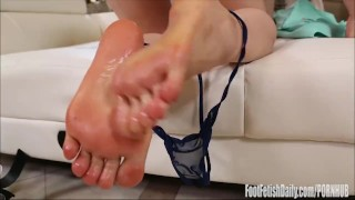 Interview nari park foot fetish shaved rubbing