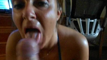 Hot babe big tits suck a big dick to get a huge load in her mouth.Hornytina