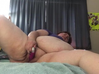 Bbw playing with herself