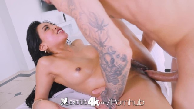 Ember reign blowjob - Exotic4k thick booty asian ember snow fucked by big white dick