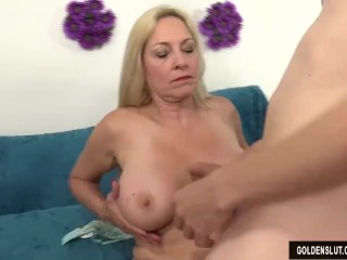 Mature Woman Craves Cocks Shows Her Pussy And Ass Before Fucking
