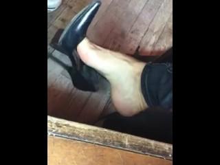 Shoe Dangle At Benny's