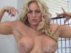 Sexy Blonde Fitness MILF Showing Off Her Body