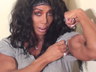 Sexy Biceps Flexing with Female Bodybuilding Legend LDR