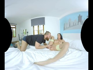 Texas Patti in a lovely VR video full of hard, kinky sex