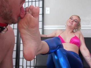 Kate England hot Foot worship tyfootgirls.com