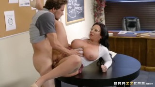 Fucking library in brazzers a milf the thick big hair
