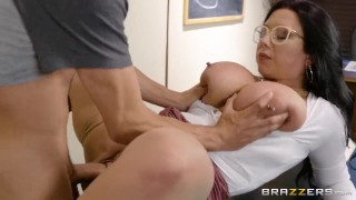 Fucking A Thick Milf In The Library - Brazzers Celeb kink